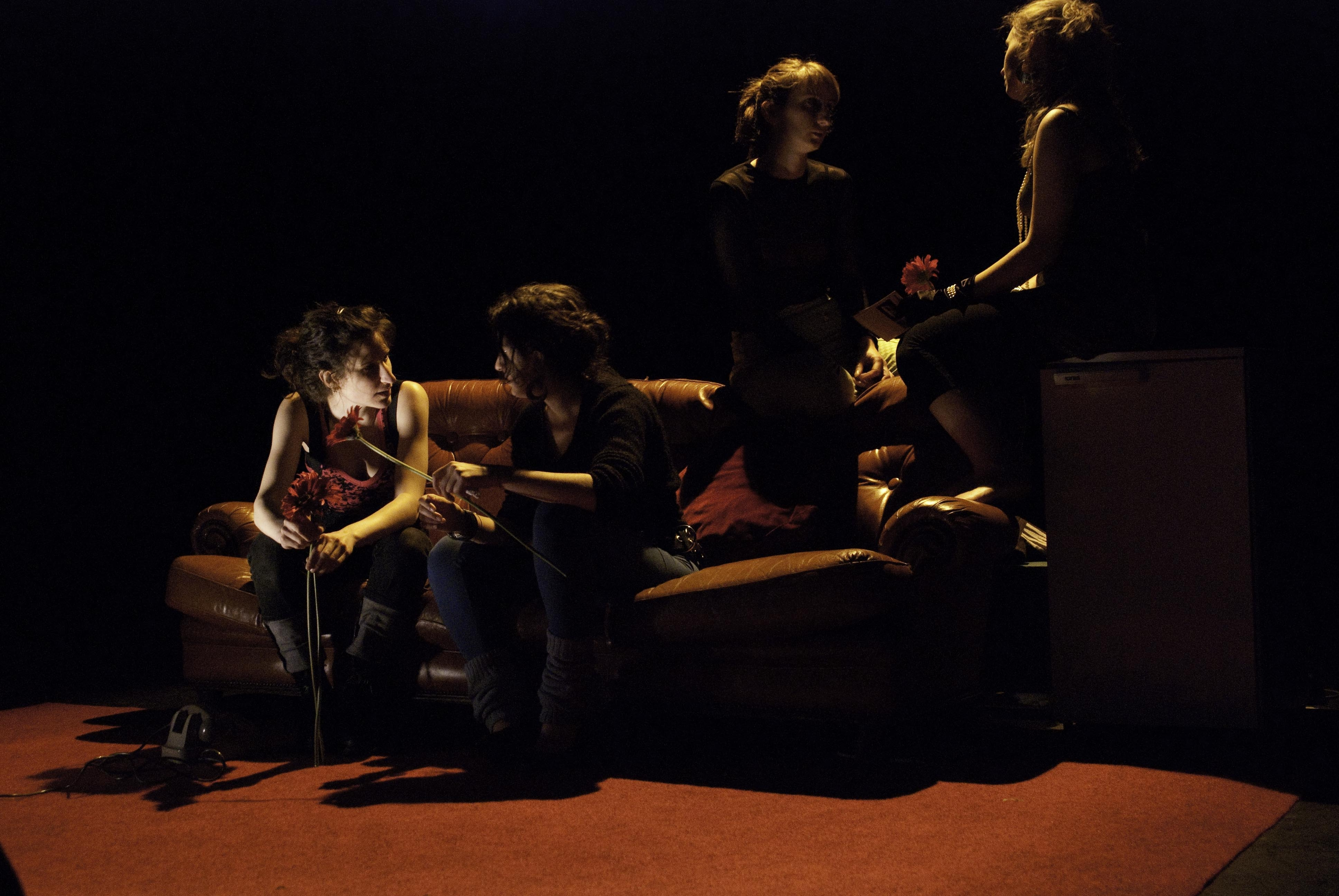 miosangue girls divano